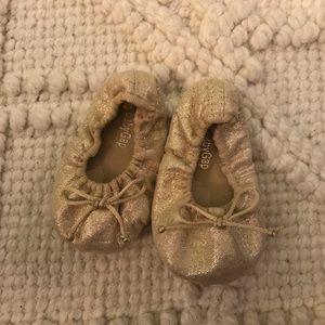 Baby Gap, Gold Shimmer Ballet Flats US 6-12 months